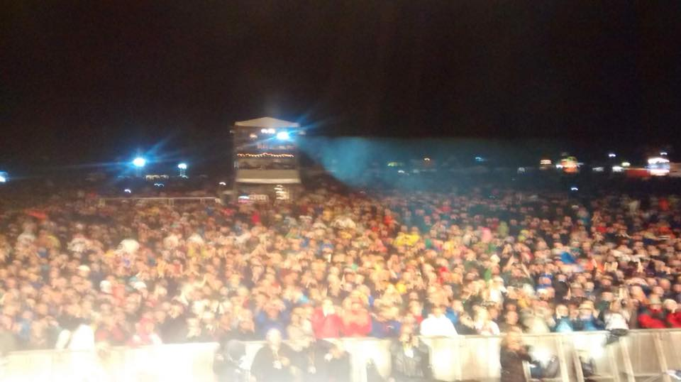 A slightly blurry Cropredy crowd shot from Dave's phone
